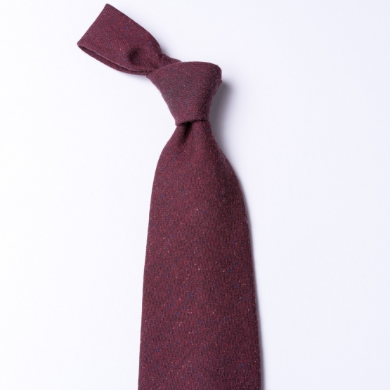 Dark red tie made from pure wool