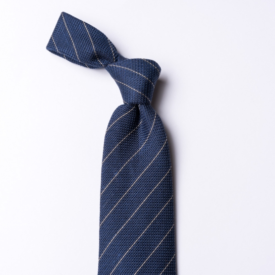 Gewebte blaue Krawatte  mit Nadelstreifen