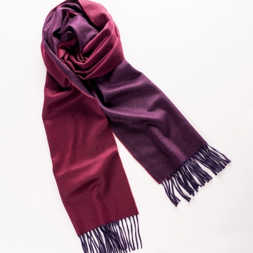 Two-tone cashmere scarf </br> in red/dark red