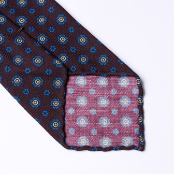 Dark brown tie made from pure wool  with floral pattern
