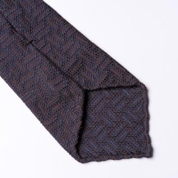 Braune Krawatte  mit Zick Zack Webung
